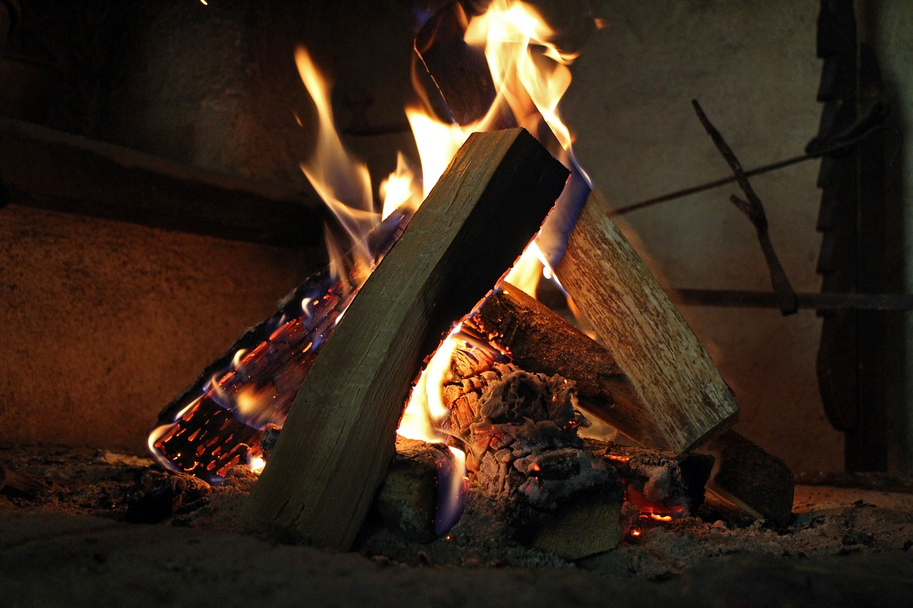 Enjoy The Freedom Of Cooking Over An Open Fire